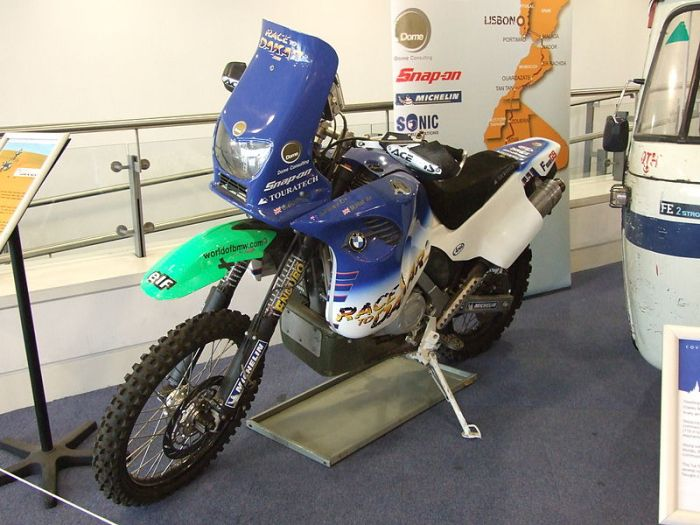 800px-charley_boormans_dakar_bike